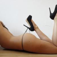 poses sexy